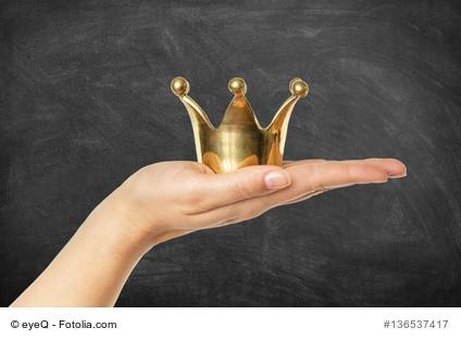 Krone auf Hand
