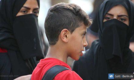 Islam gehört nicht zu Deutschland, hier lebende Muslime sind aber willkommen?