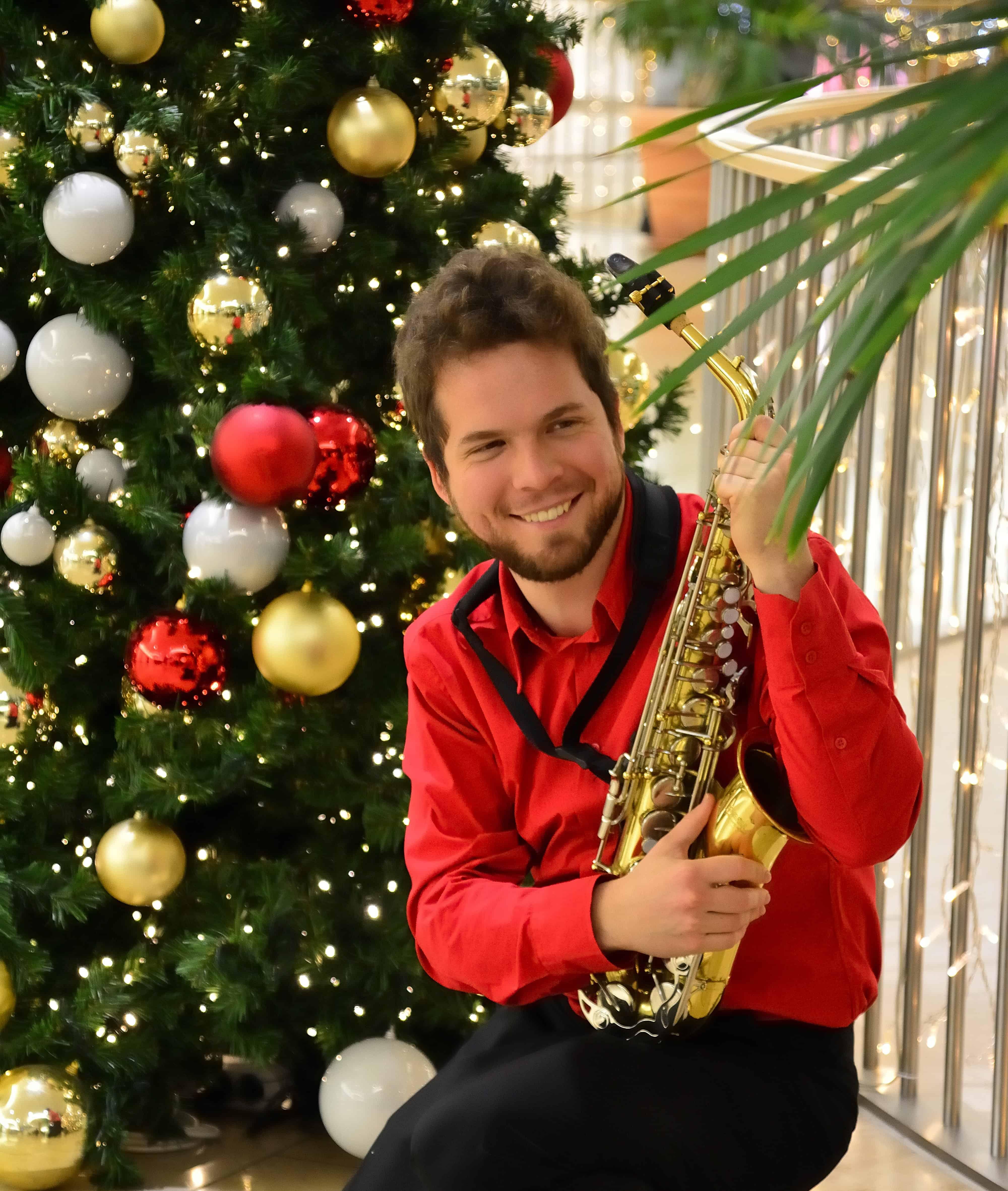 Klim Levene - Weihnachtsbaum-Schmückaktion