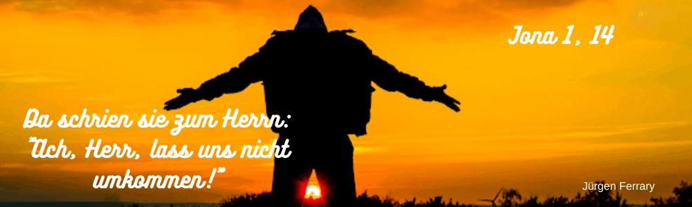 verzweifelter Mann in der Abendsonne
