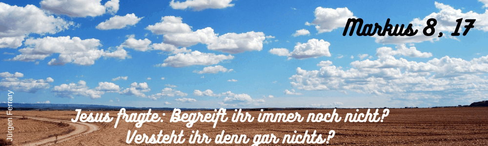 blauer Himmel mit Schönwetter-Wolken