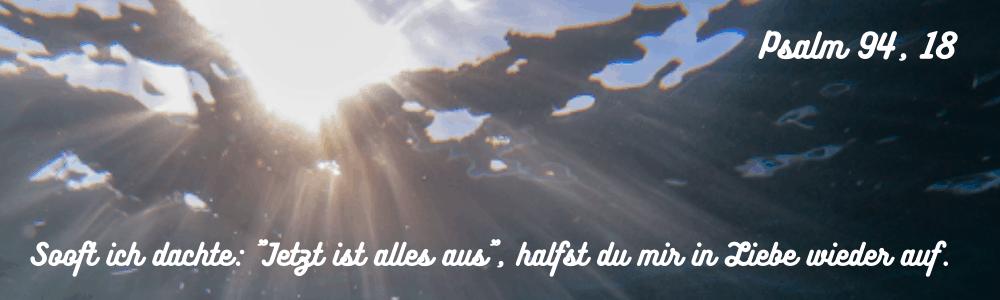 Lichtstrahl durch Wolken