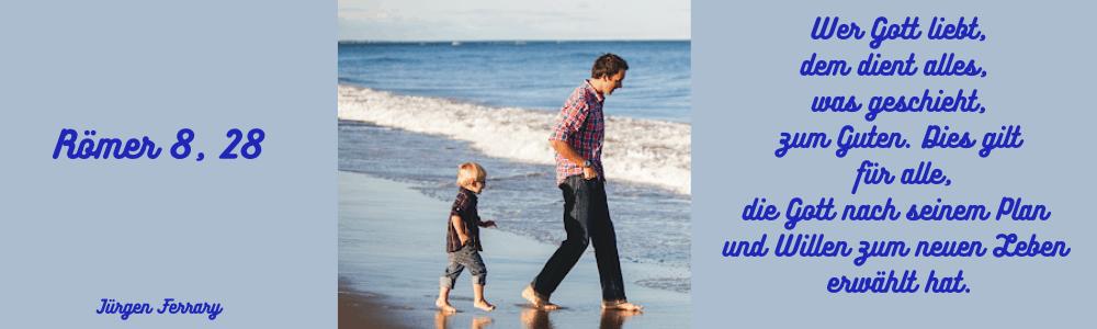 Vater und Sohn am Rand des Meeres