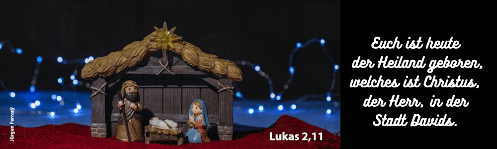 Krippe mit Holzfiguren Maria - Josef - Jesus