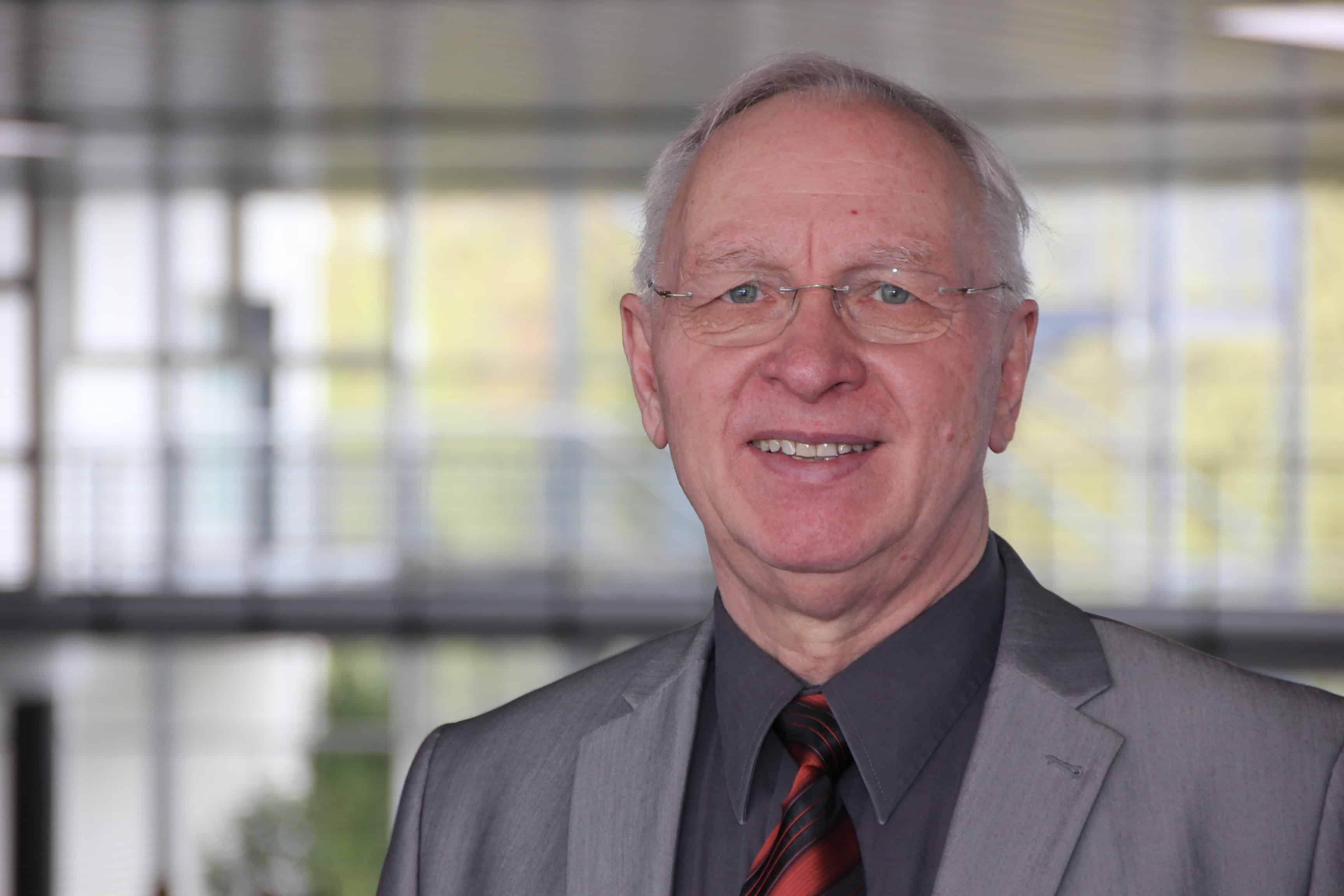 Dr. Wolfhart Margis