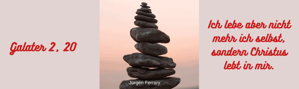 Steine aufgestapelt zu einem Turm