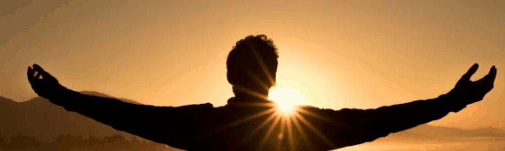 Mann will Sonne umarmen