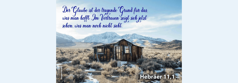 verlassene, verfallene Hütte auf den Bergen