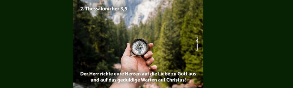 Die Richtung mit einem Kompass bestimmen im Wald